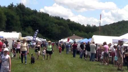 2009 Gilsum NH Rock show - looking north